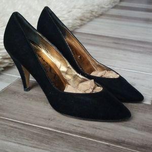 Touch of Nina 70's Inspired Velvet Pumps Heels